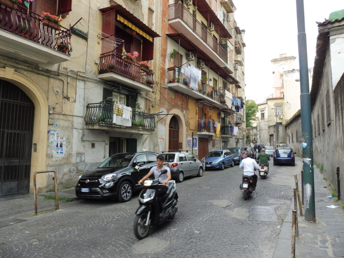 Pacing the pavements of Napoli